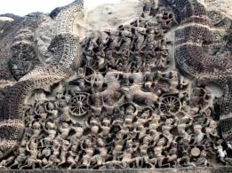 angkor-bas-relief-doorway