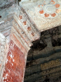 angkor-roof-traces-of-paint