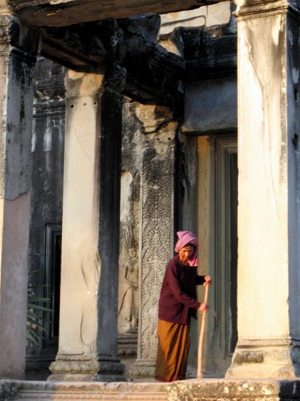 angkor-side-door-sweeper