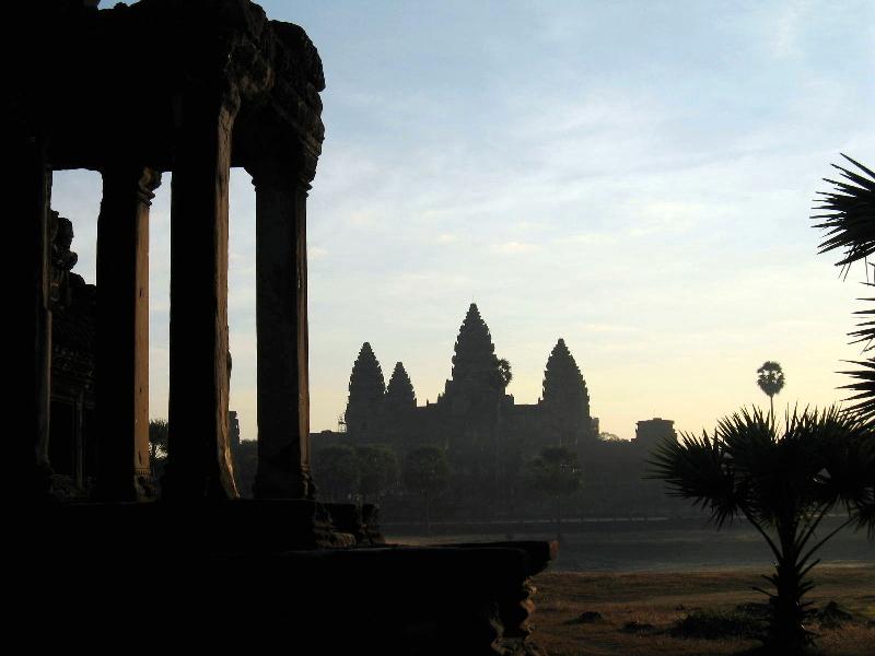 angkor-side-temple-sunrise