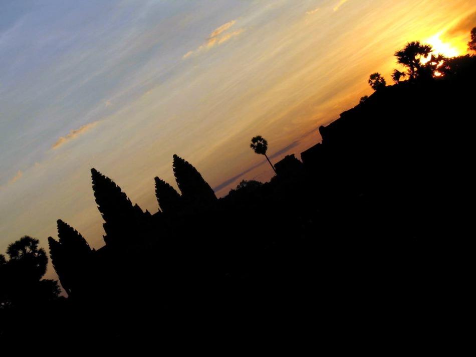 angkor-w-sunrise
