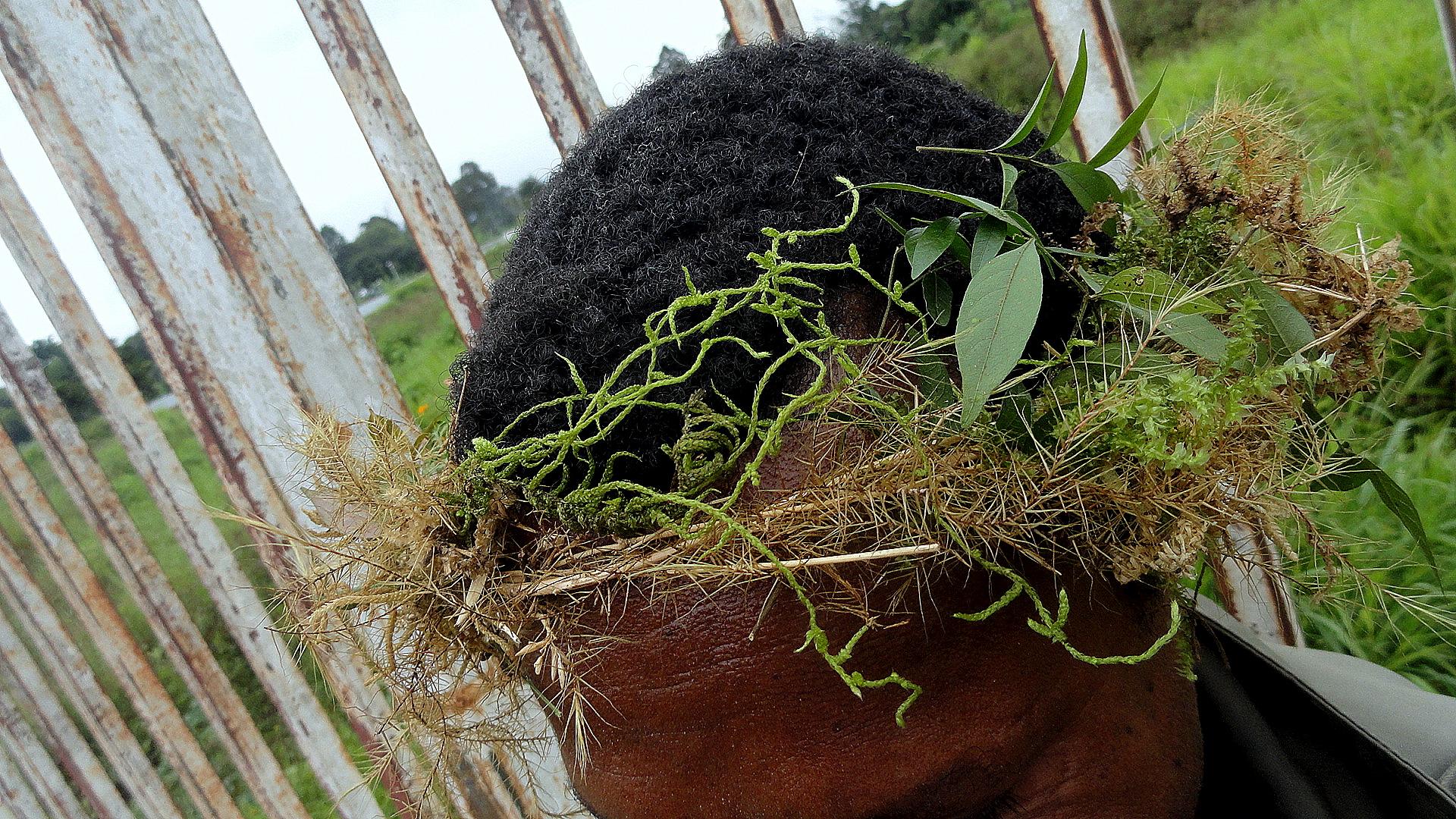 Huli Headgear - Closeup