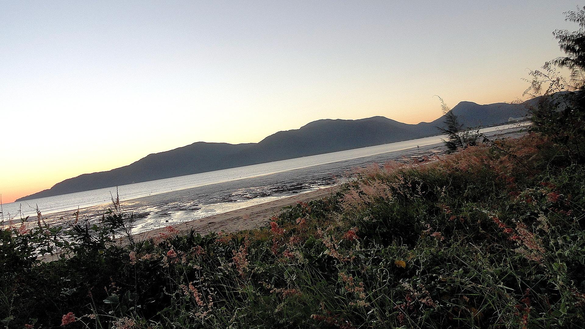 Cairns Beach  AM2