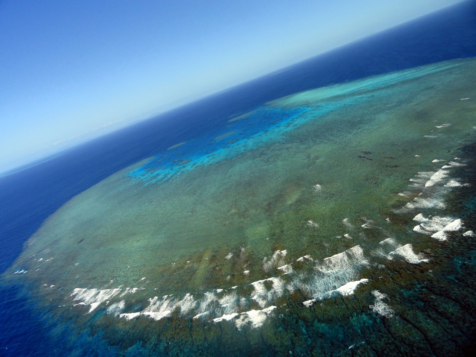 Over the Ribbon Reefs 5