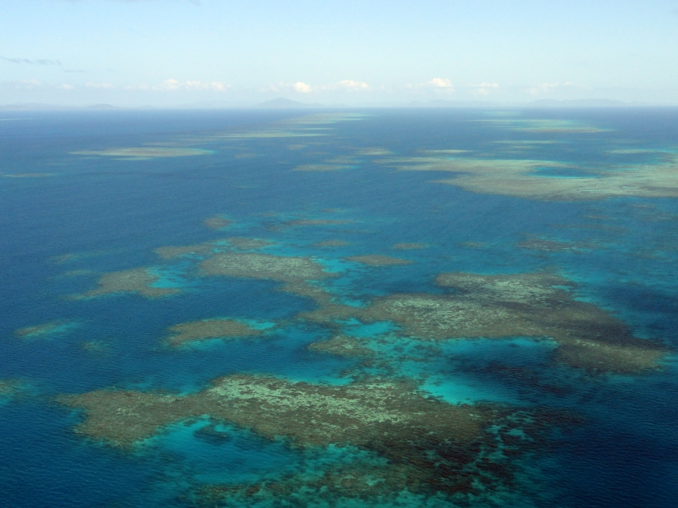 Over the Ribbon Reefs 7