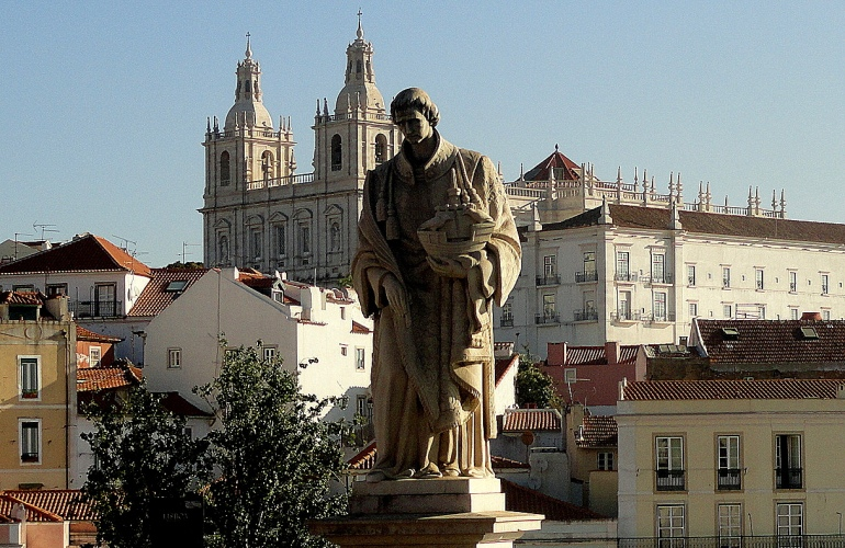 Statue & S Vicente from Lookout