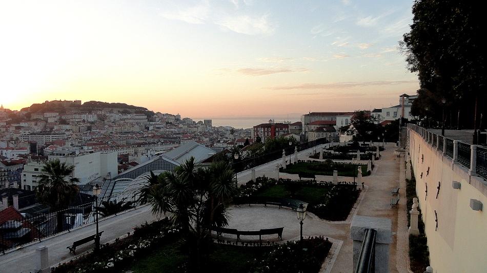 Castelo & Gardens Sunrise