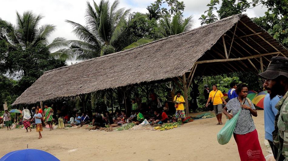 Maprik Market  Shelter