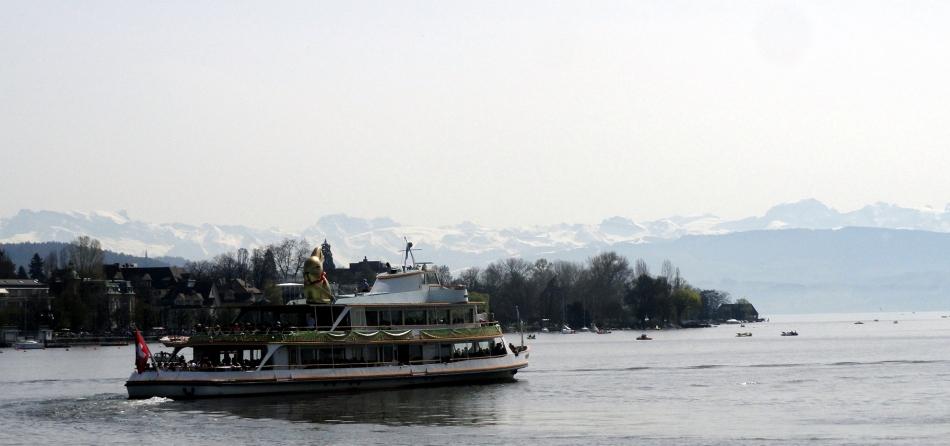Lake Zurich - Mtns - Huge Easter Bunny