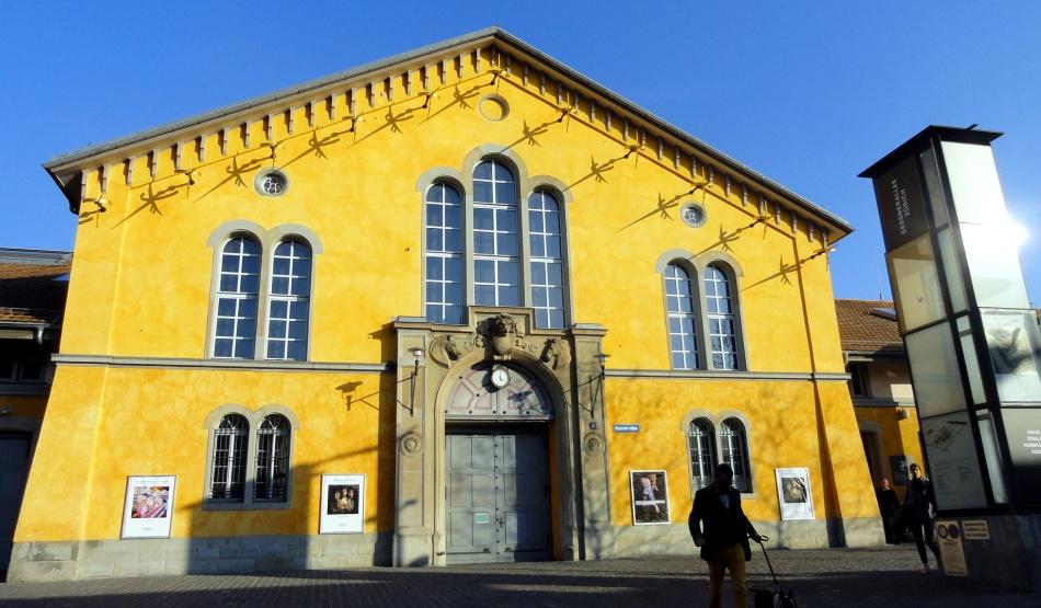 Zurich Arts Bldg
