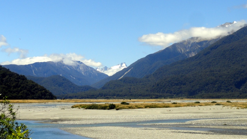 Haast River & Mtns 2