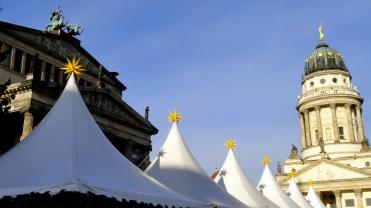 Konzerthaus & Franz Dom w Xmasmarkt Tents