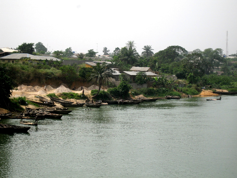 Rivers-Abia Border Boats & River