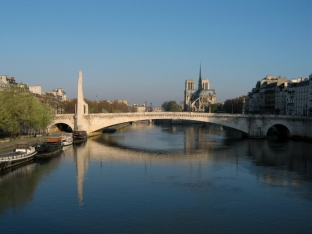 Seine & Notre Dame Easter AM