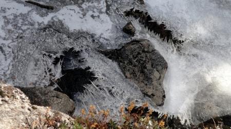 chilnualna-creek-ice-rock-jan12