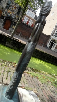 Delft Coats of Arms & Modern Sculpture