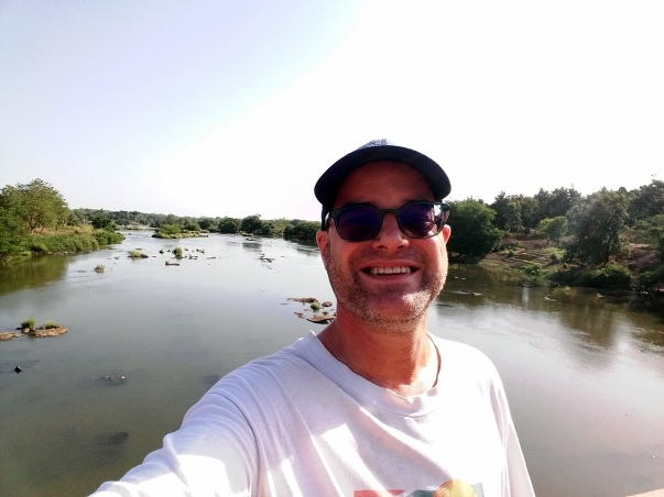 1804 Paul Ouham River Selfie