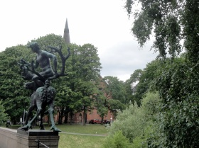 1806 Oslo - Bridge Sculpture 2