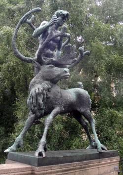 1806 Oslo - Bridge Sculpture 3