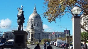1711 City Hall & Statues