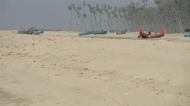 sandcrabs26moonboats1