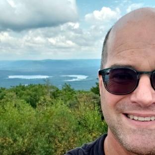 Selfie summit Bear Mtn 2
