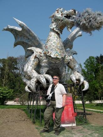Mom w Recycling Dragon