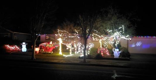 Candycanes Snowmen Santa Sleigh