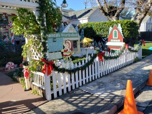 Santa's Workshop & Fence