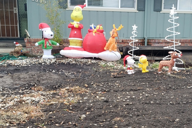Snoopy x2 The Grinch & More